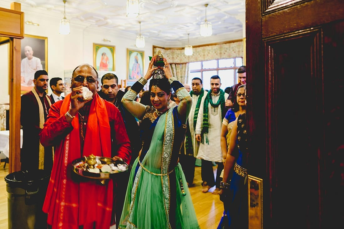 Bee and Jon_Hare Krishna Temple_Herts Wedding Photography_0028