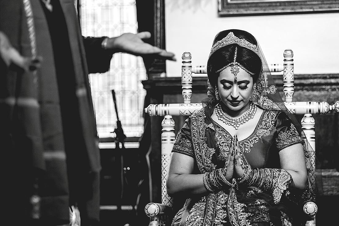 Bee and Jon_Hare Krishna Temple_Herts Wedding Photography_0040