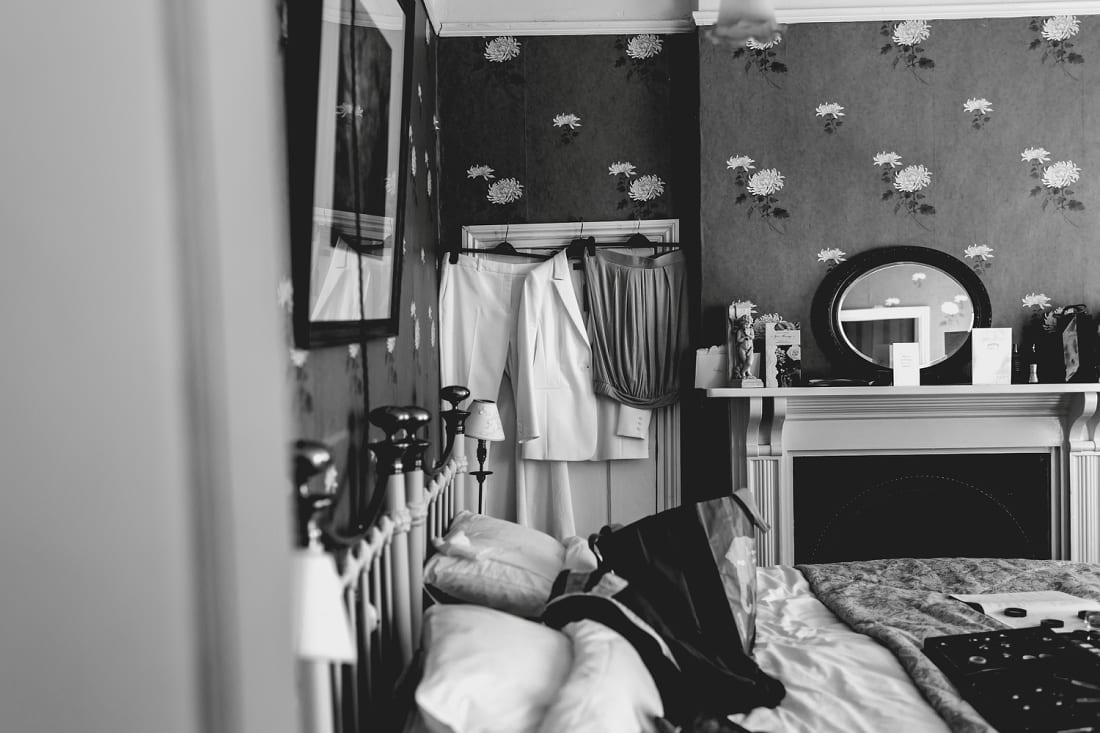 Lains Barn_Oxford_Wedding_Photographer_0002