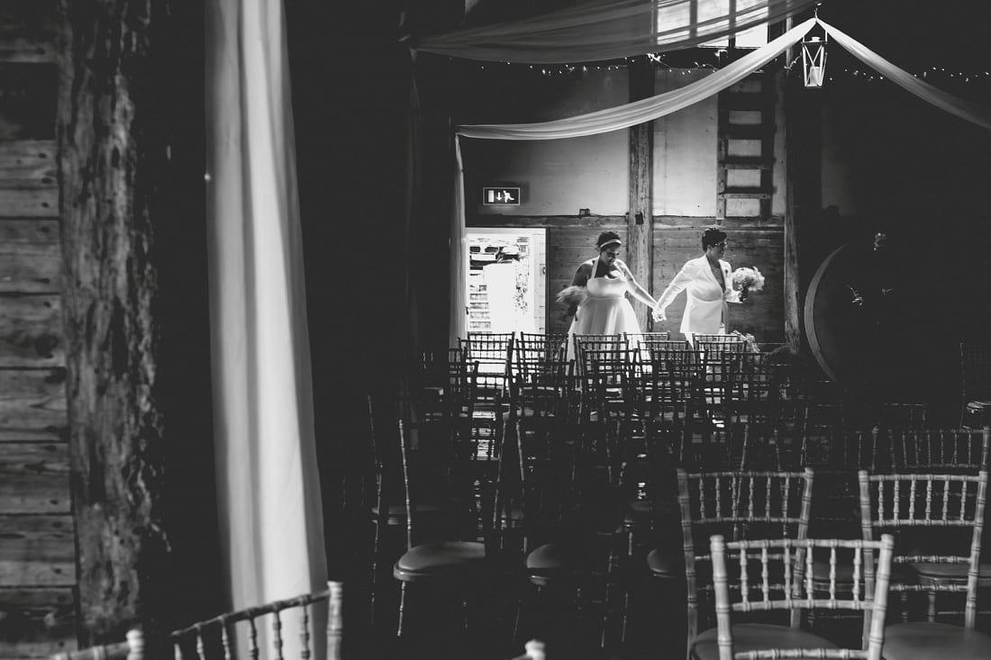 Lains Barn_Oxford_Wedding_Photographer_0043