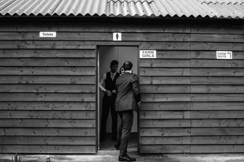 Best wedding photography 2017- wedding day toilets