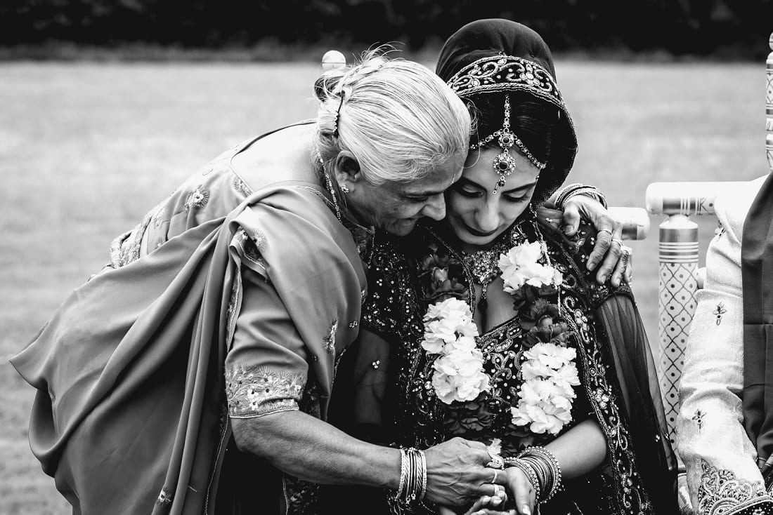 Reshma_Connor_PoundonHouse_Oxfordshire_Wedding_Photography-67