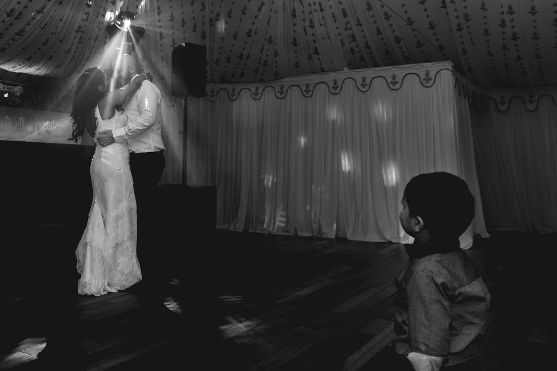 Reshma_Connor_PoundonHouse_Oxfordshire_Wedding_Photography-927