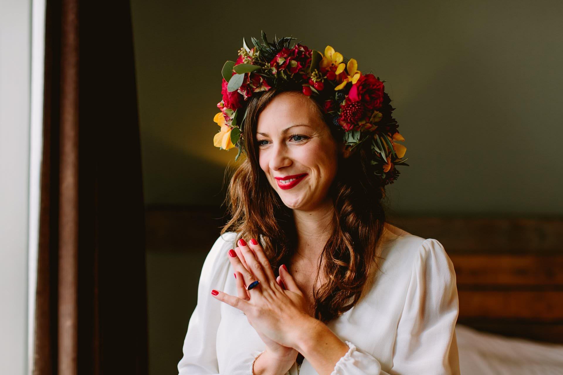 Gorgeous bride in autumnal flower crown